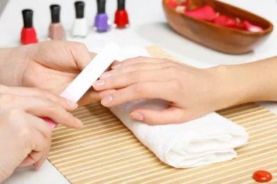 Можно ли наращивать ногти во время беременности