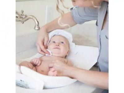Как умывать новорожденного ребенка