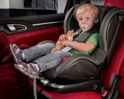 Можно ли перевозить ребенка до 7 лет на переднем сидении