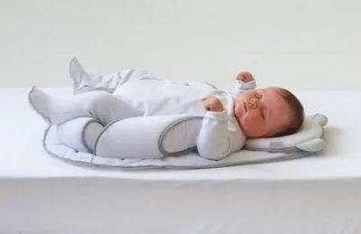 Когда грудным детям можно спать на подушке