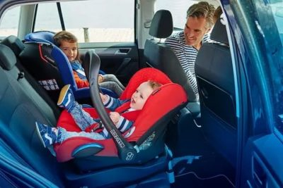 Как правильно перевозить ребенка в машине