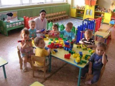 Какой возраст детей в ясельной группе