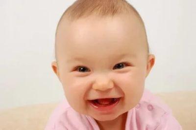 В каком возрасте появляется смех