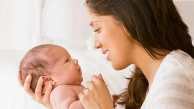 Когда малыш начинает видеть маму