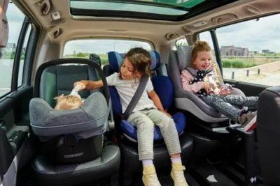 Можно ли перевозить ребенка в машине на руках