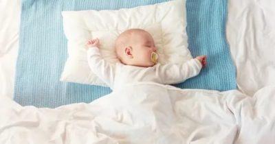 Можно ли малышу спать на подушке