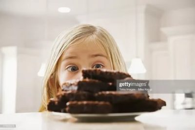 Можно ли ребенку в 2 года есть шоколад